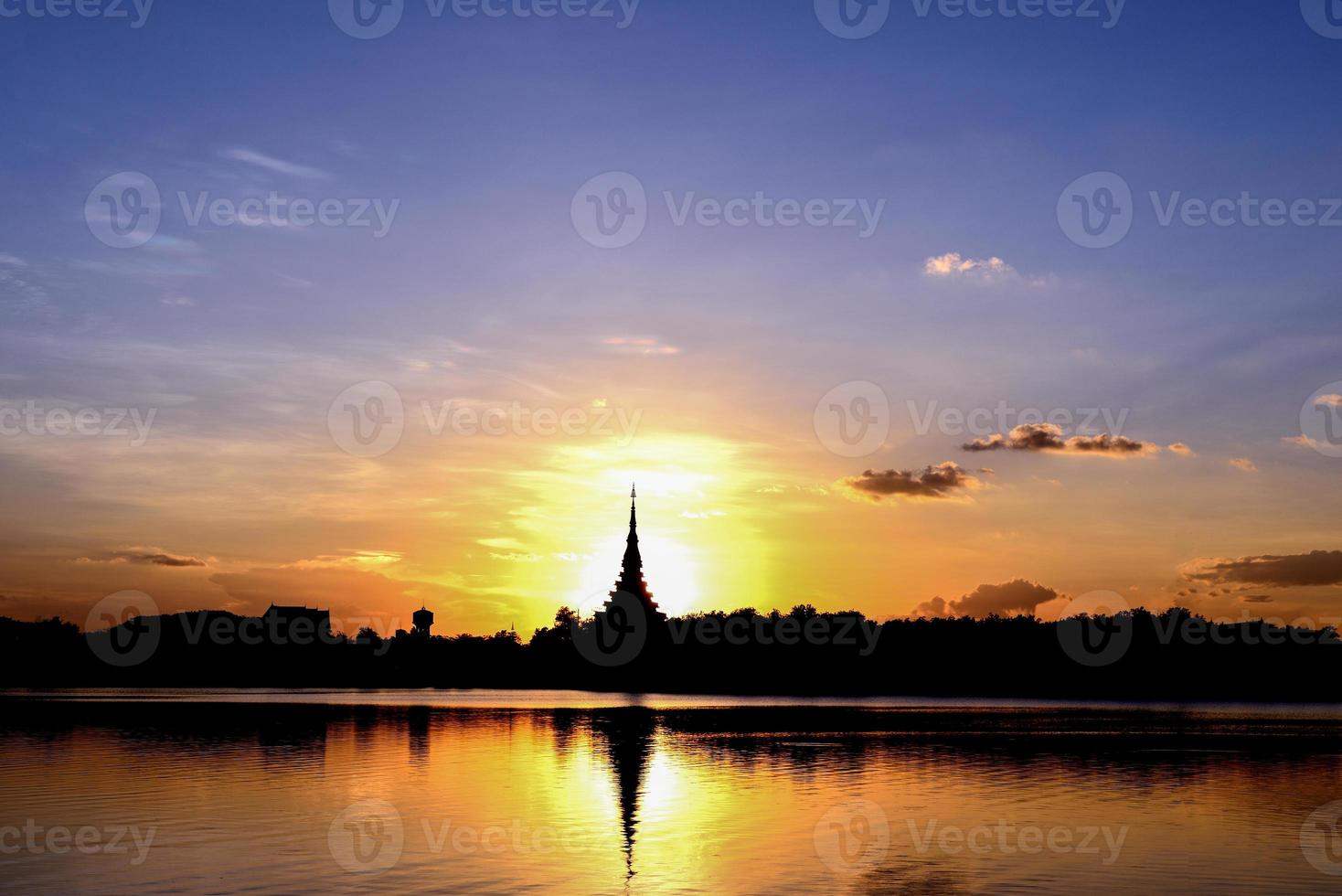 silhouet tempel foto