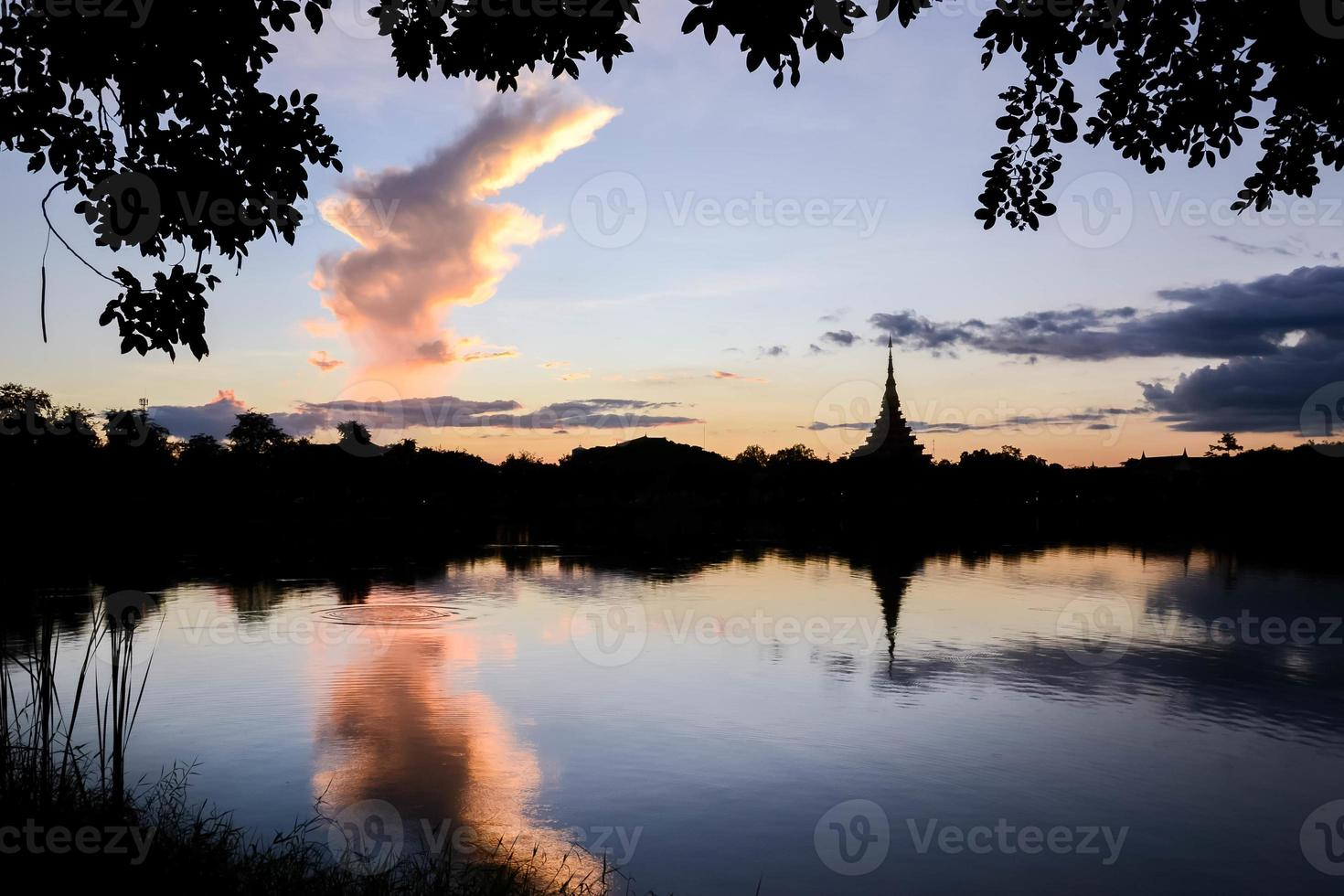 silhouet Thaise tempel foto