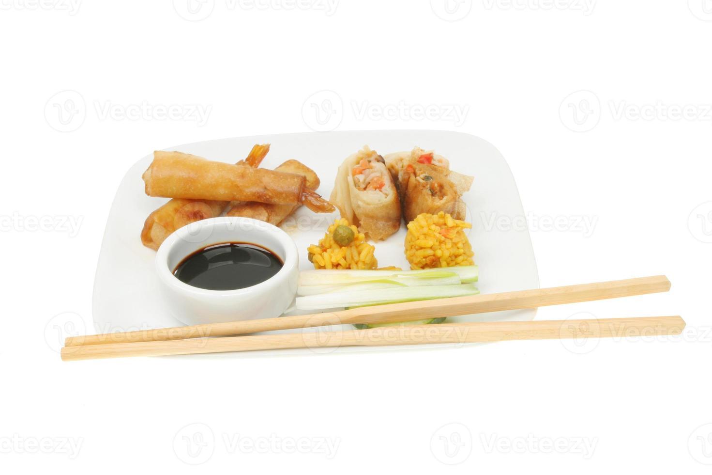 selectie van Chinese snacks foto