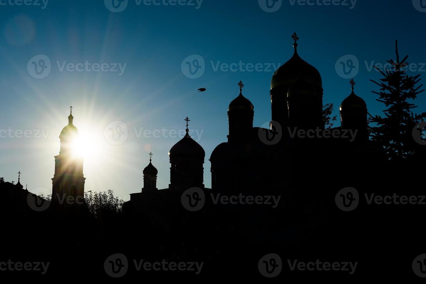 silhouet van orthodoxe kerken foto