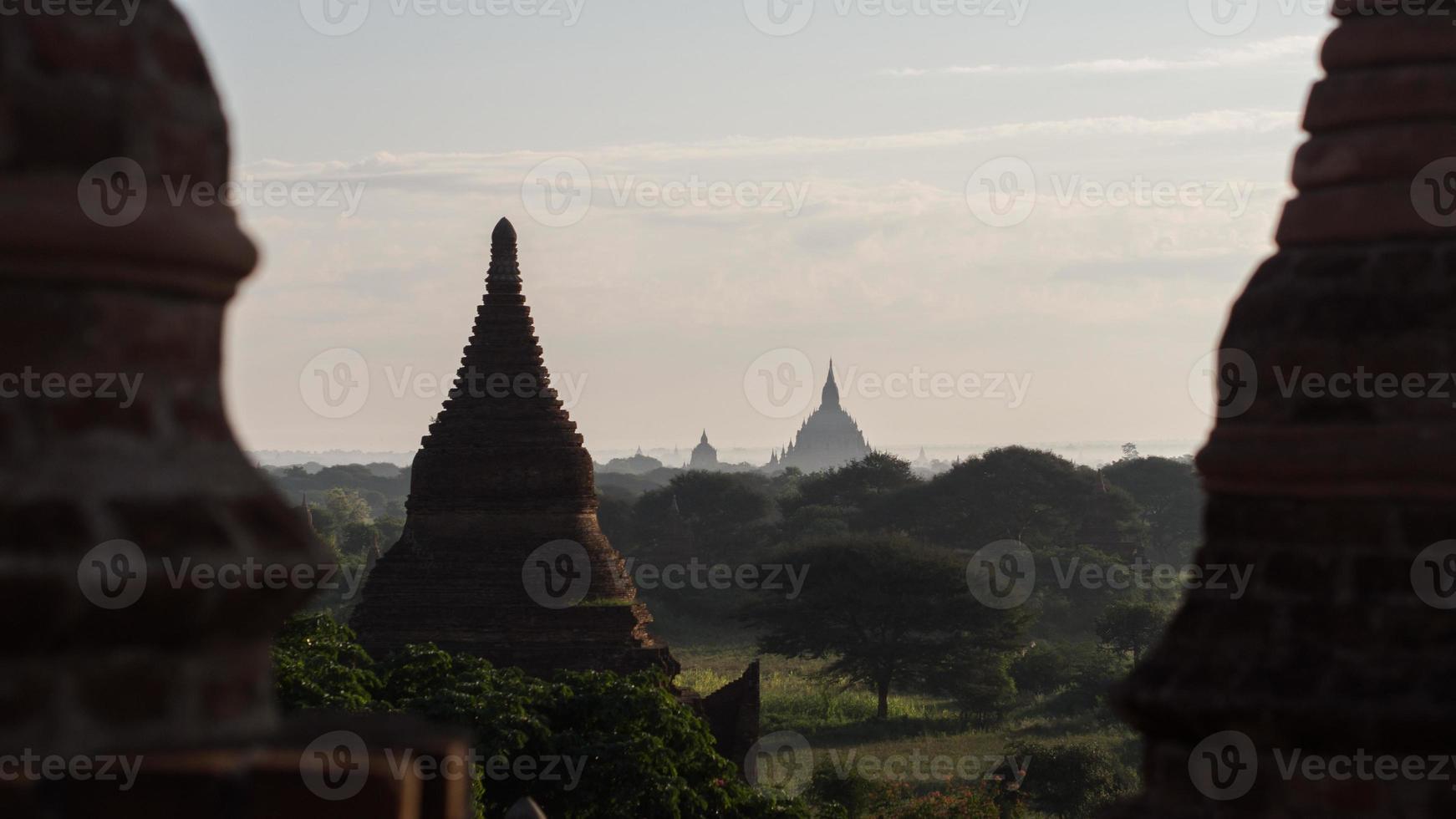 dageraad in bagan, myanmar foto