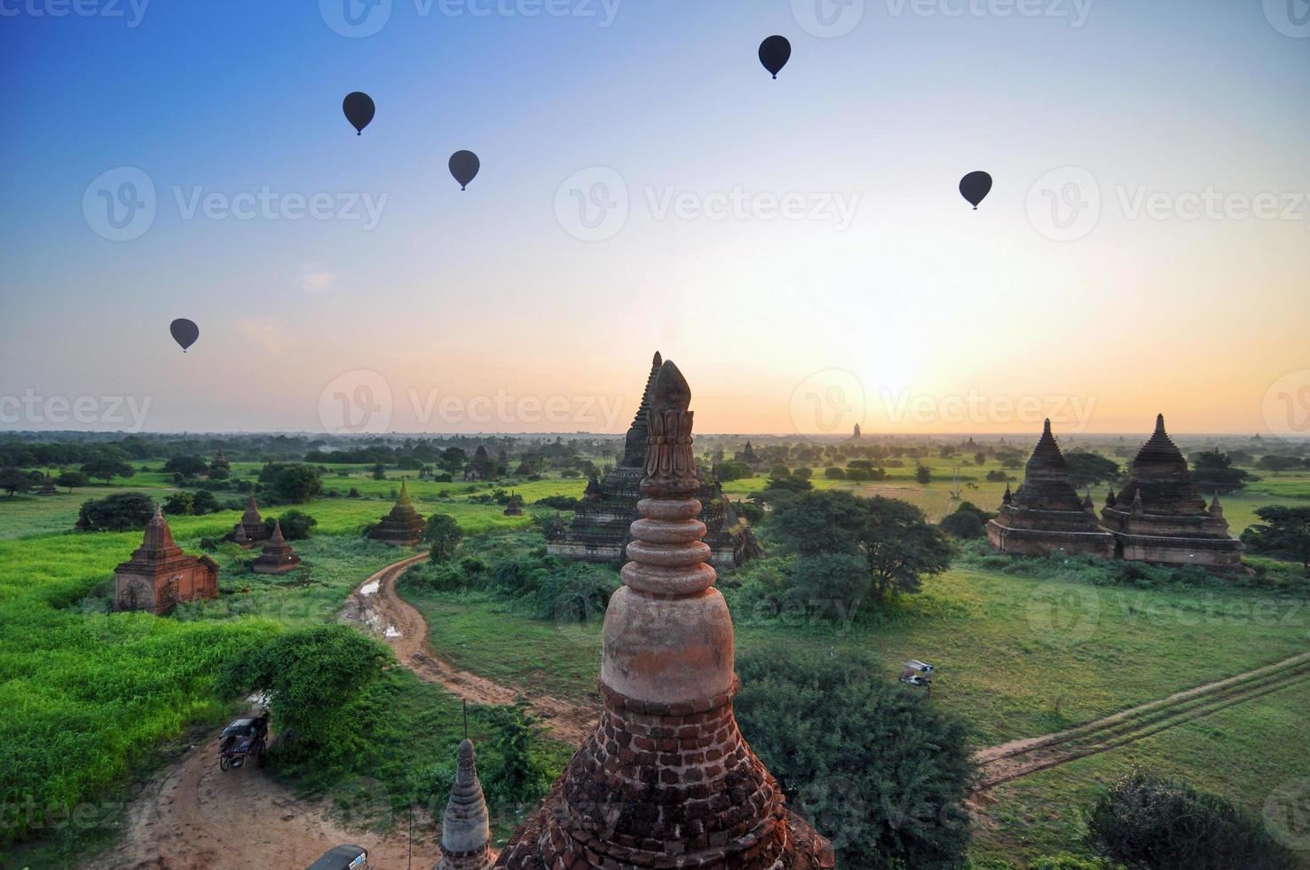 oude tempels in bagan, myanmar foto