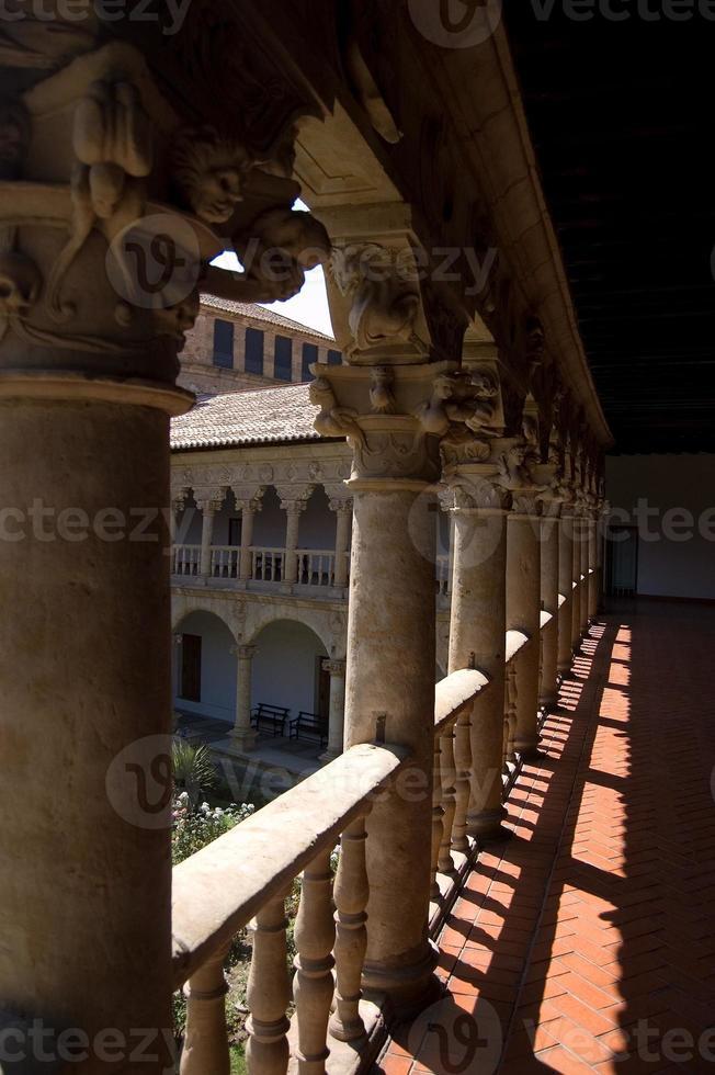 klooster in het klooster las dueñas. salamanca, spanje foto