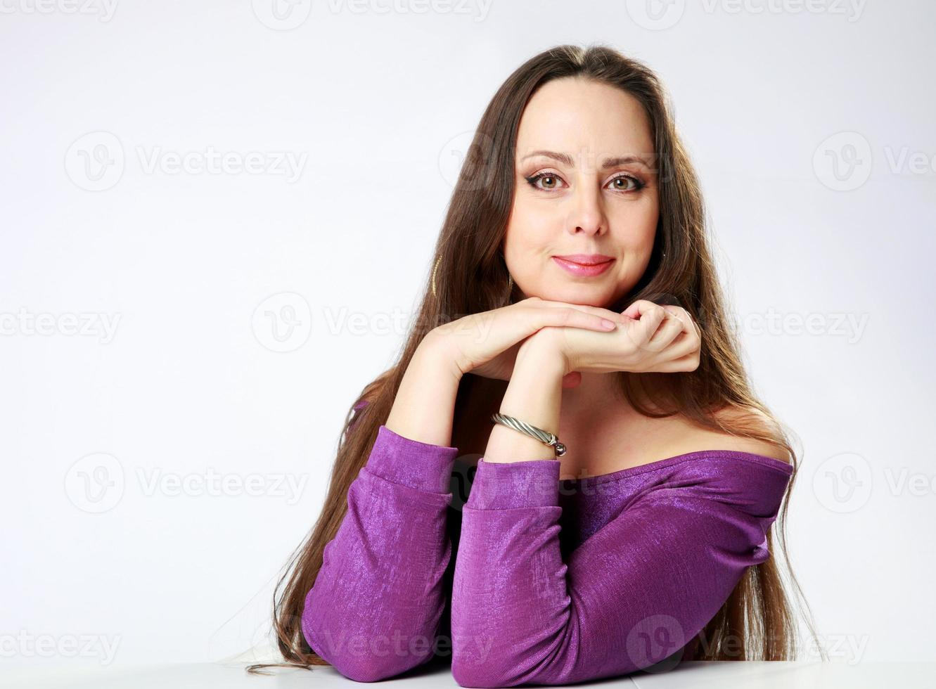 portret van een glimlachende vrouw foto
