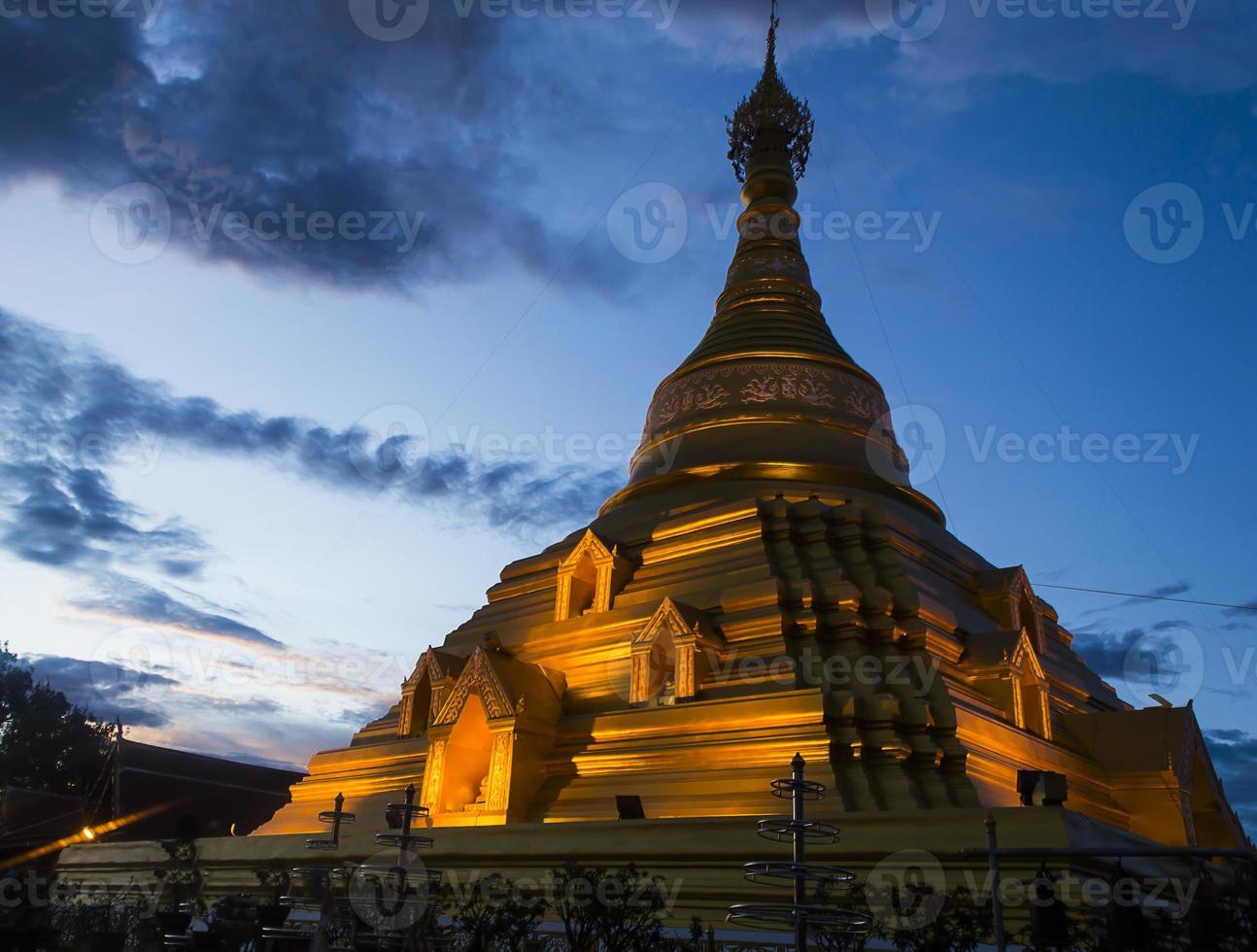 gloden pagode bij kamphaeng phet foto