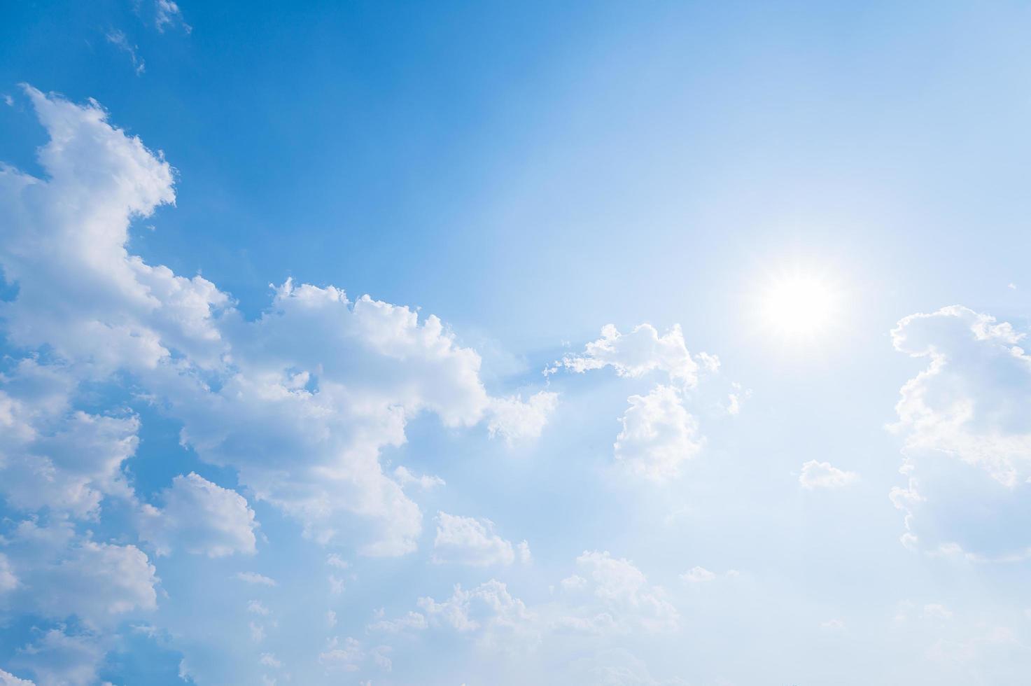 wolken en lucht gedurende de dag foto