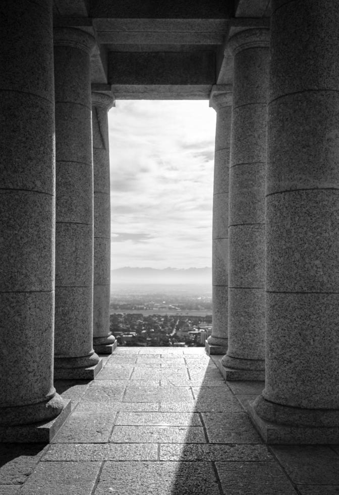 grijswaarden van ruïnes foto