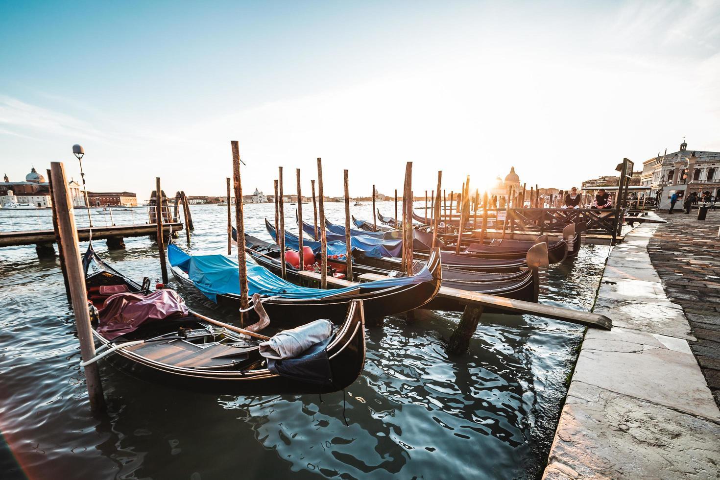 gondels in Venetië foto