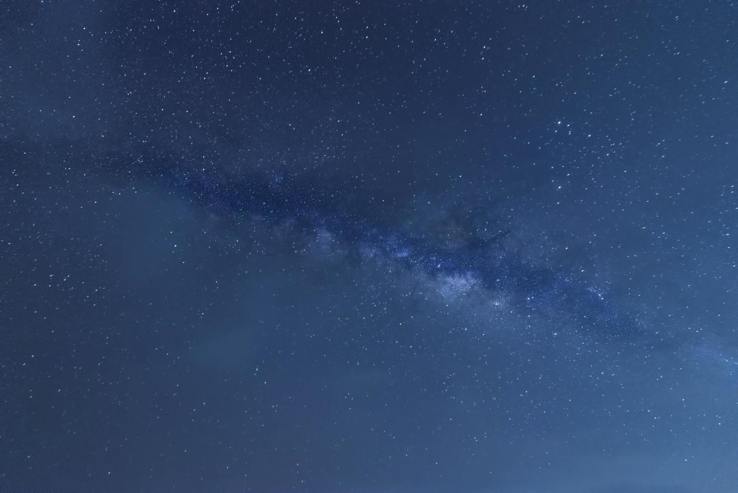 Melkweg en blauwe hemel foto