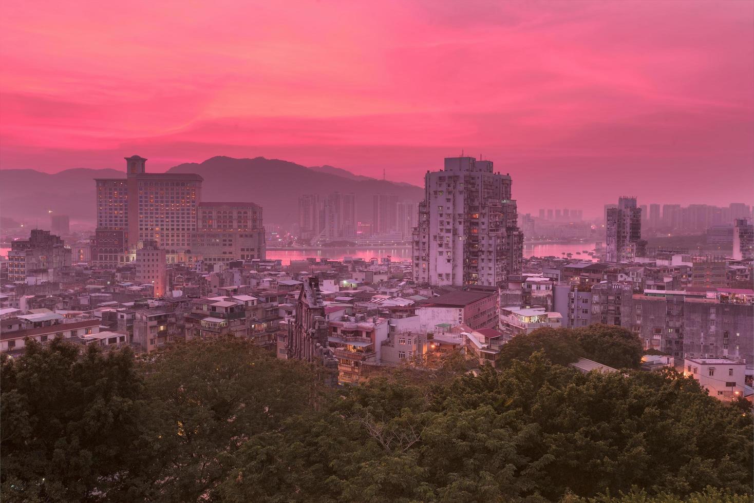 Macau centrum in de schemering foto