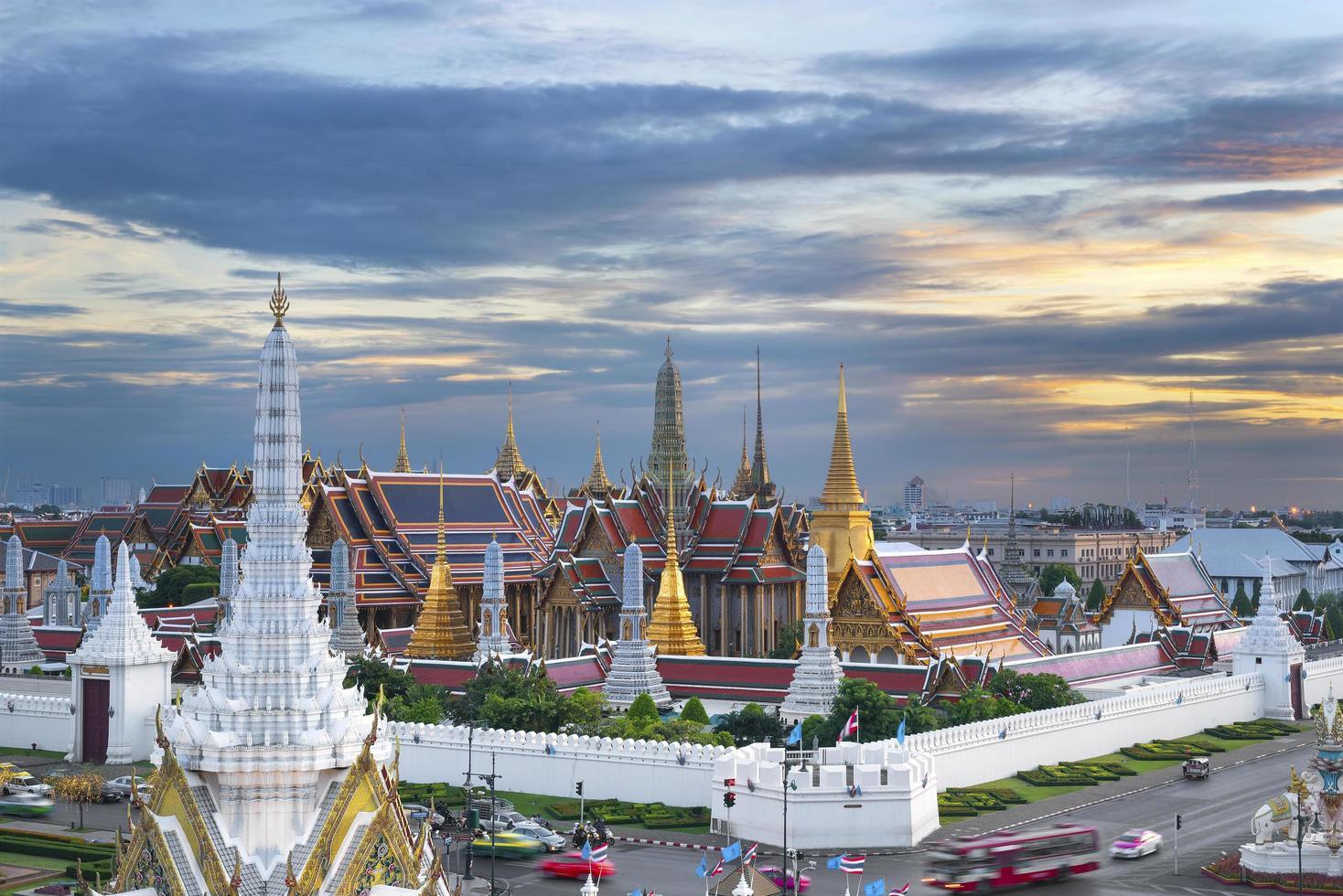 bangkok stad pijlers heiligdom en wat phra kaew foto