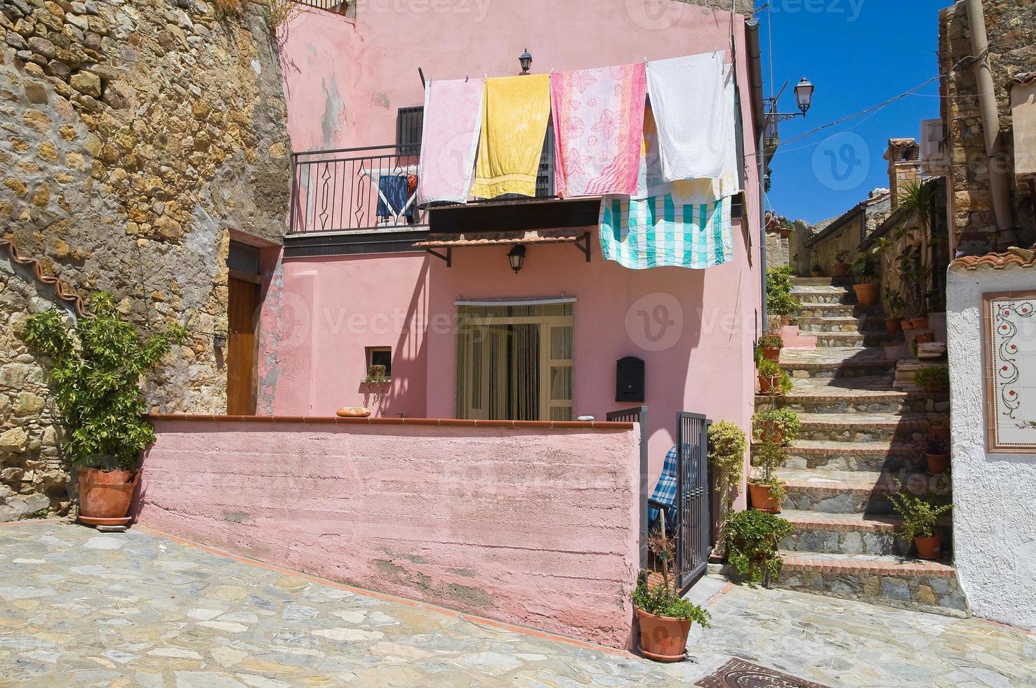 steegje. rocca imperiale. Calabrië. Italië. foto