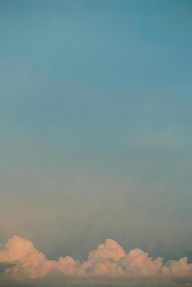 pastelkleurige wolken foto