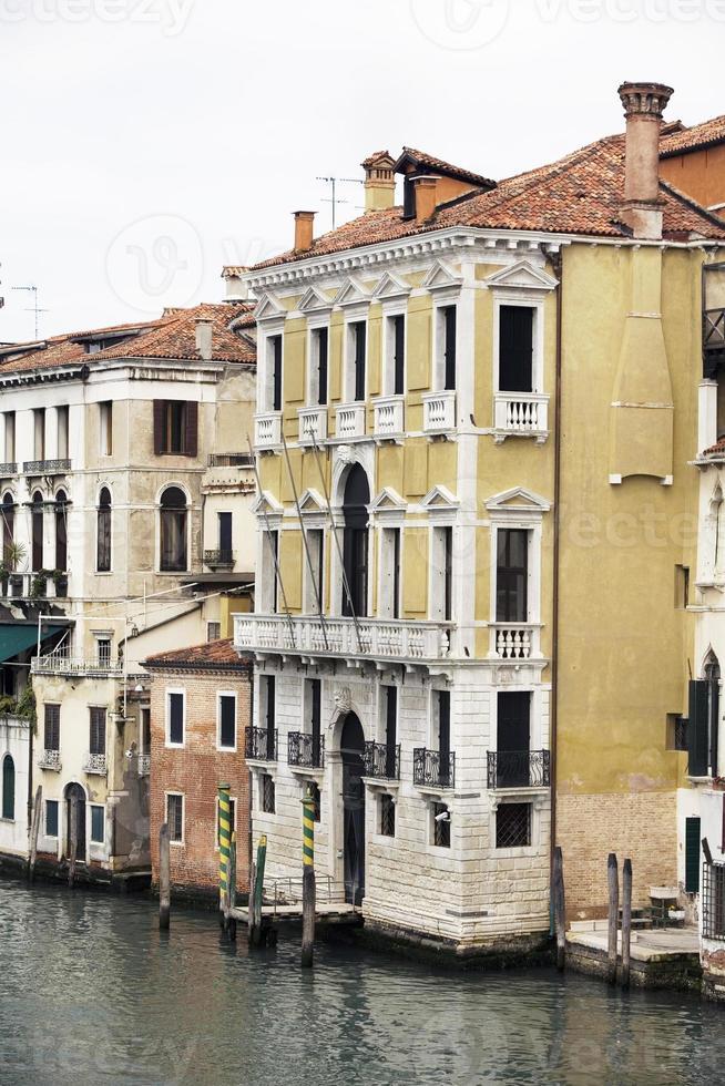 paleis op groot kanaal venetië italië foto