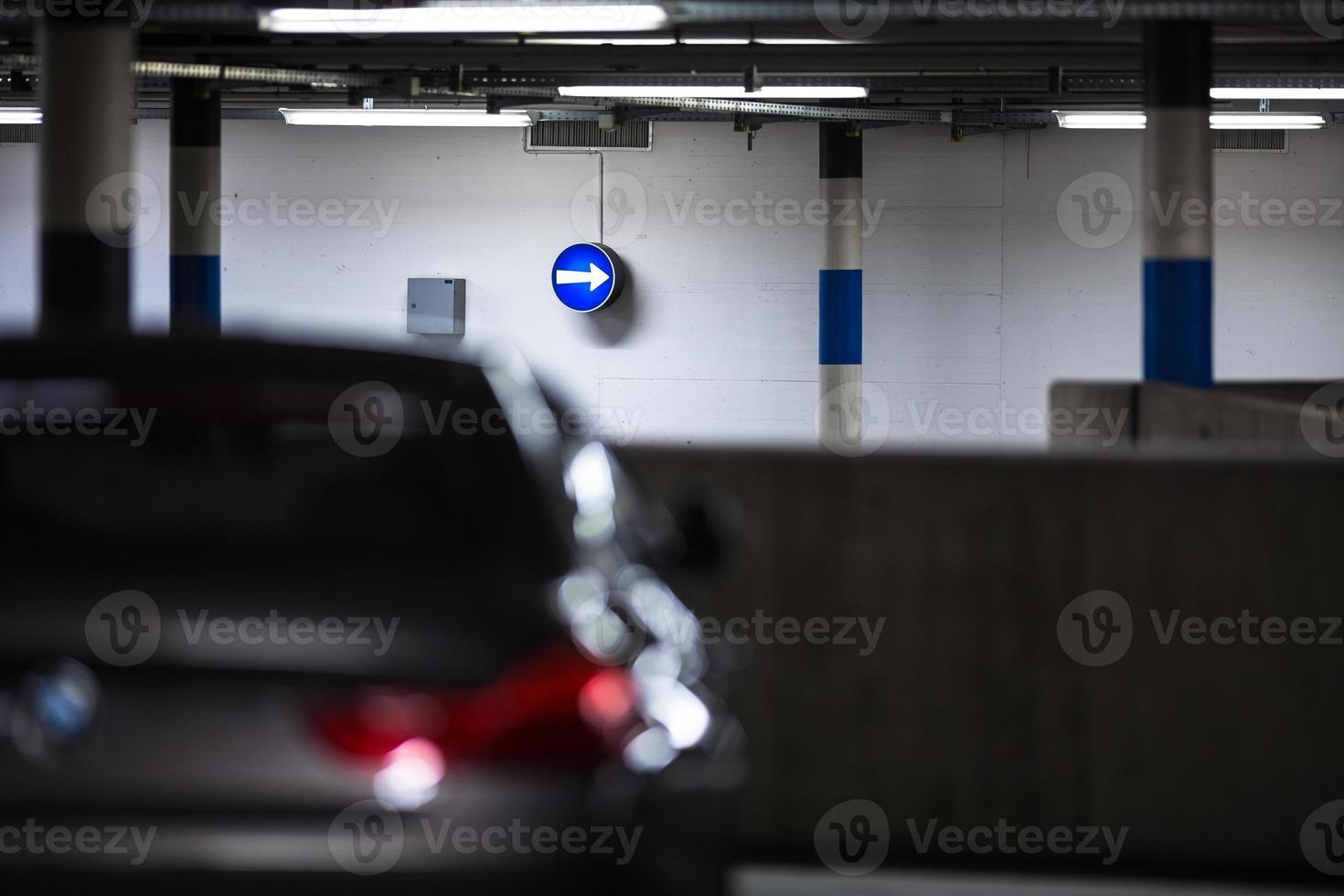 ondergrondse parking foto