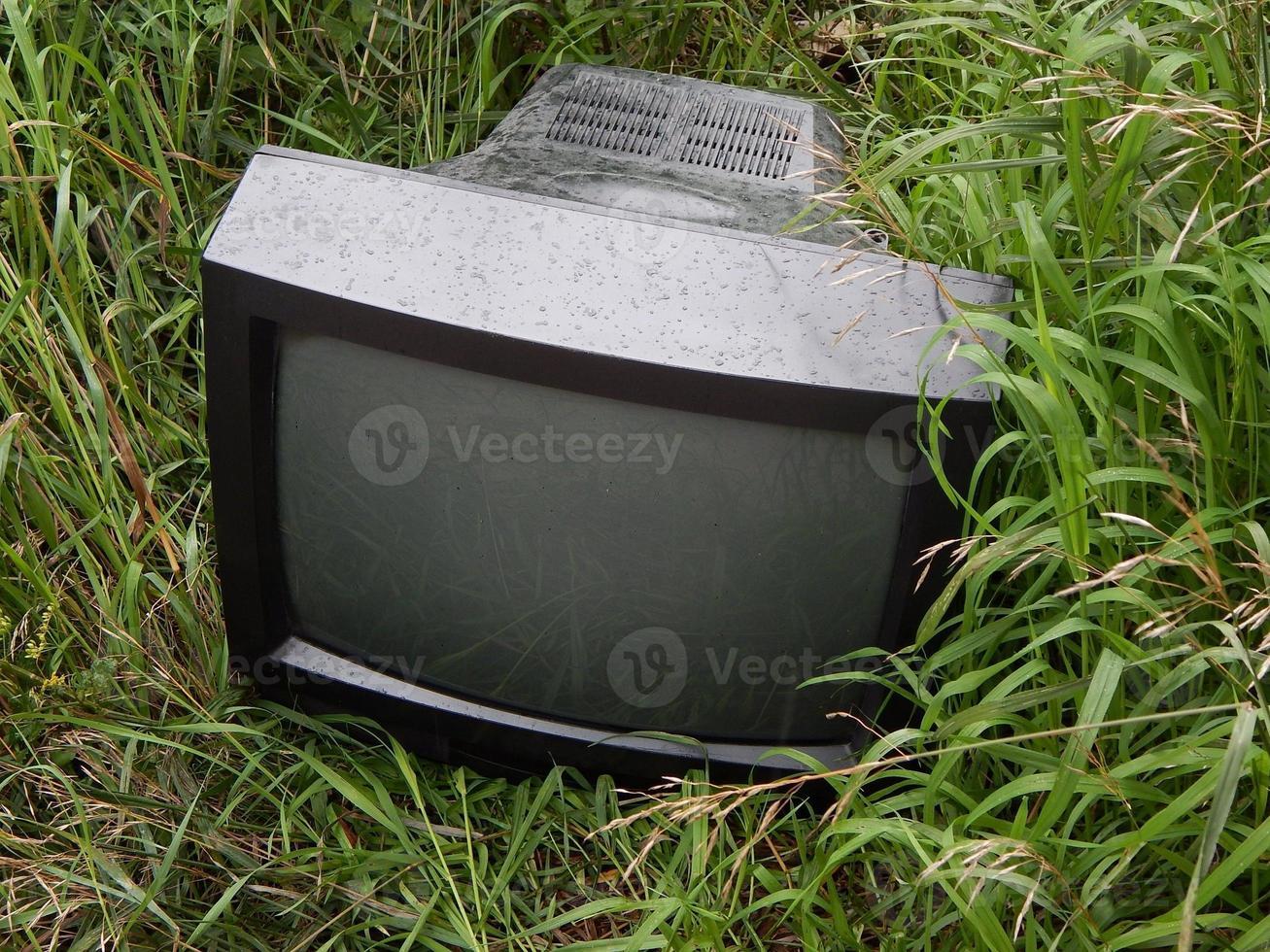 tv gegooid foto