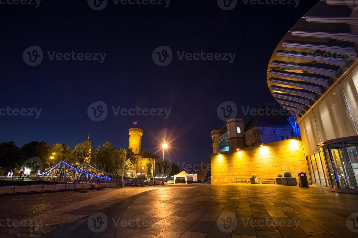 rheinau haven Keulen 's nachts foto