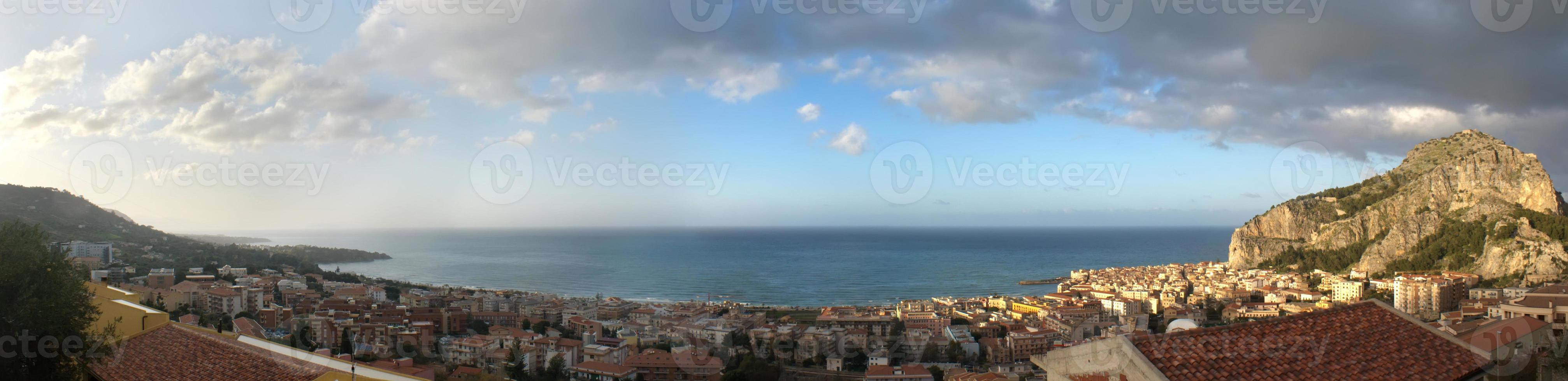 panoramisch uitzicht op de cefalu foto