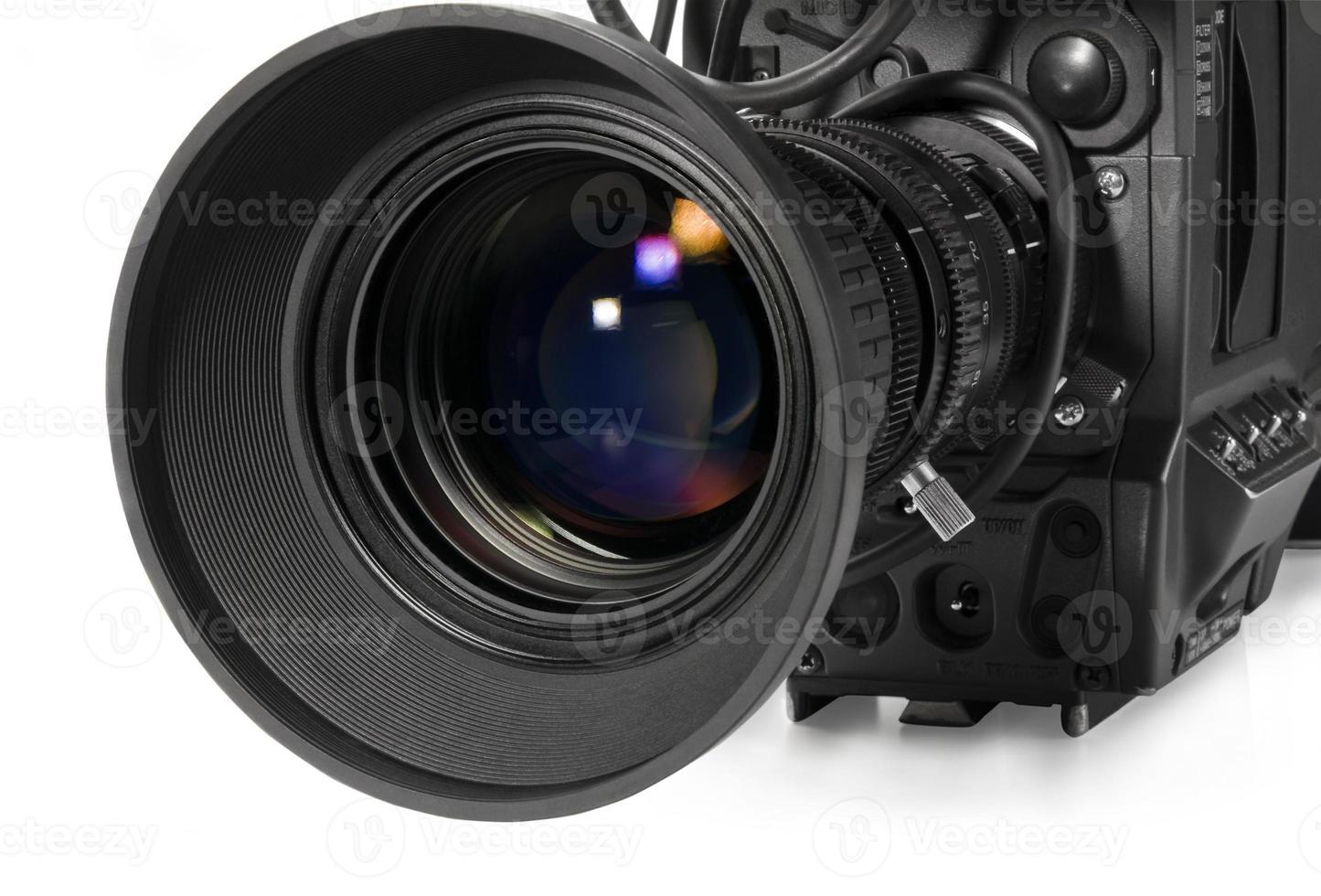 professionele digitale videocamera, geïsoleerd op een witte achtergrond. foto