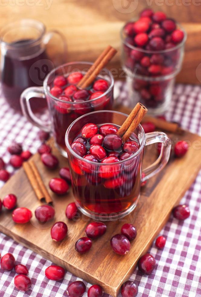 glühwein met cranberry en kruiden foto