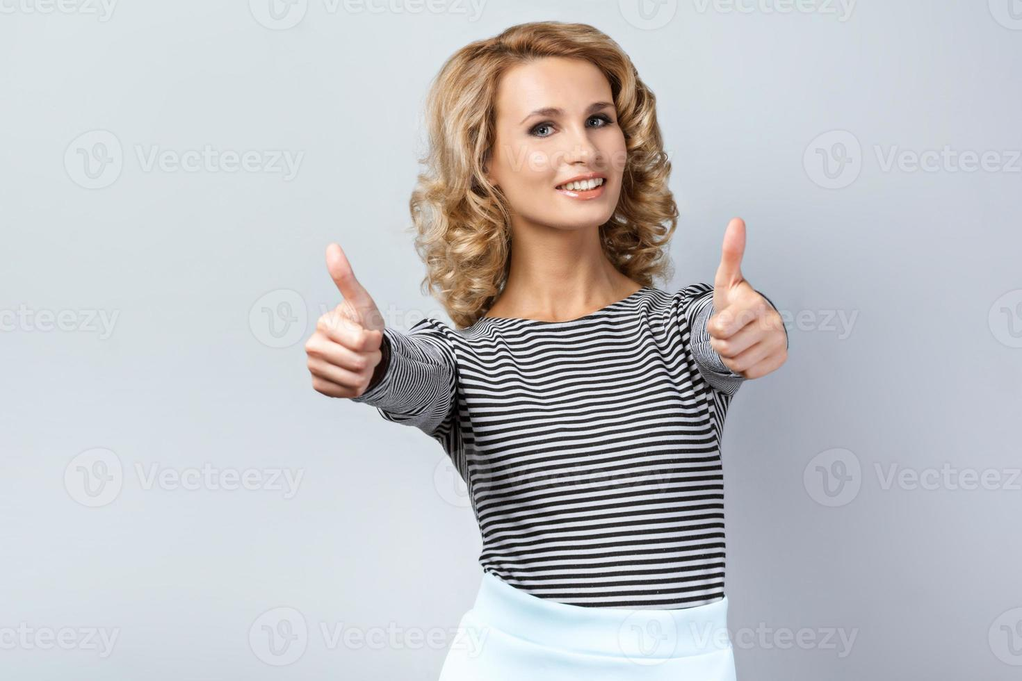 concept voor emotionele jonge vrouw foto