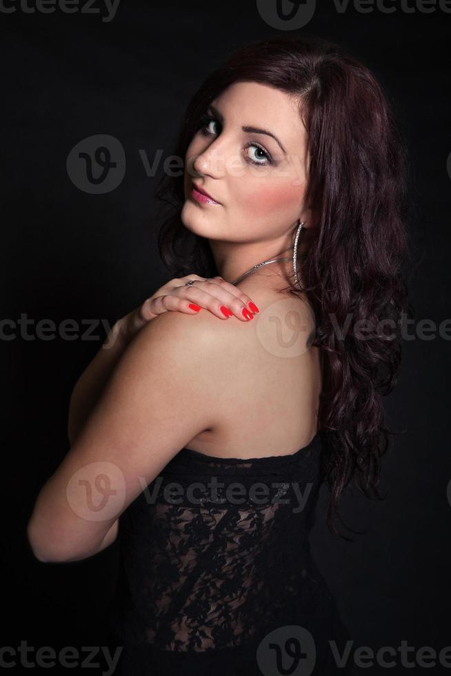 portret van langharige brunette foto