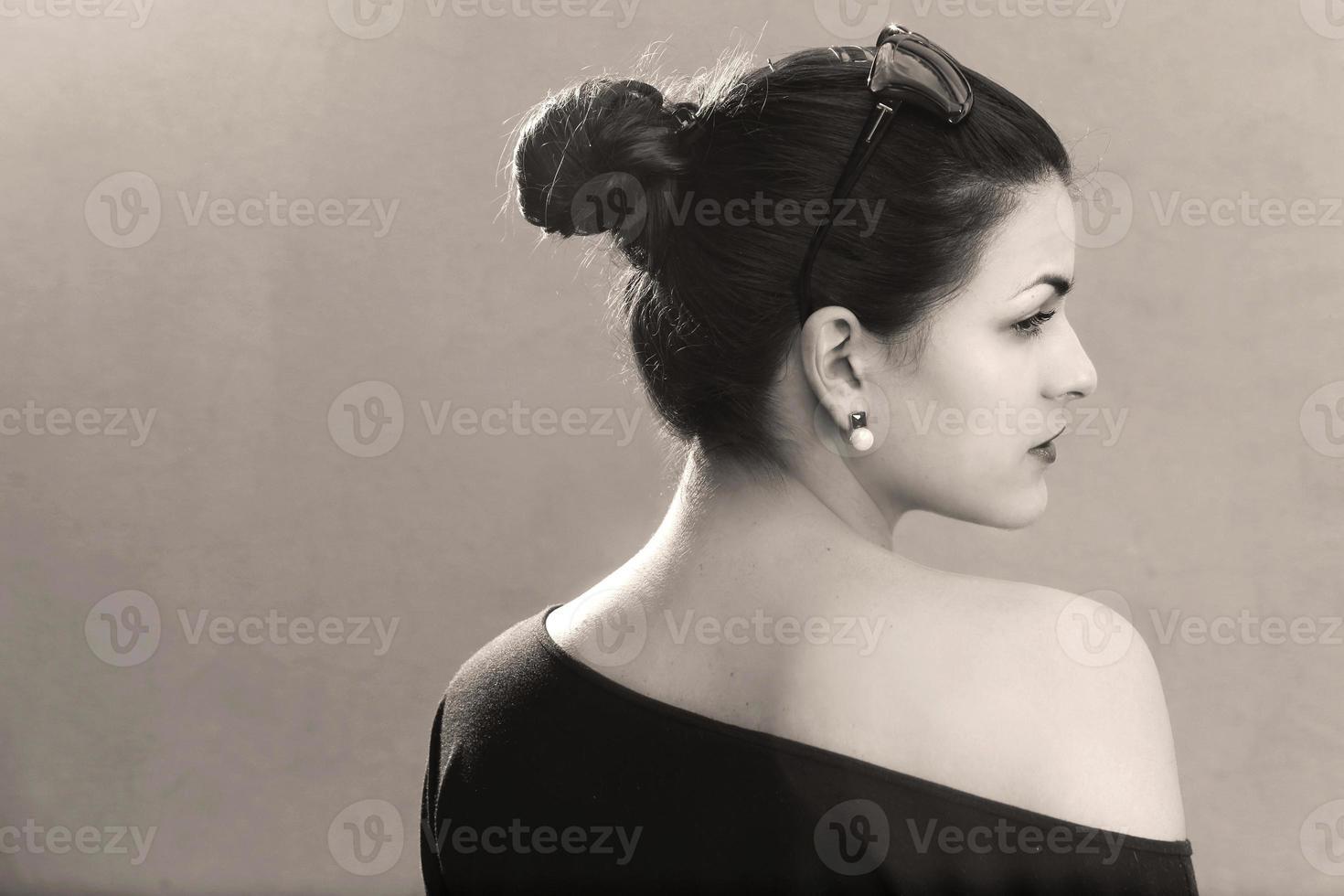 jonge mooie brunette foto