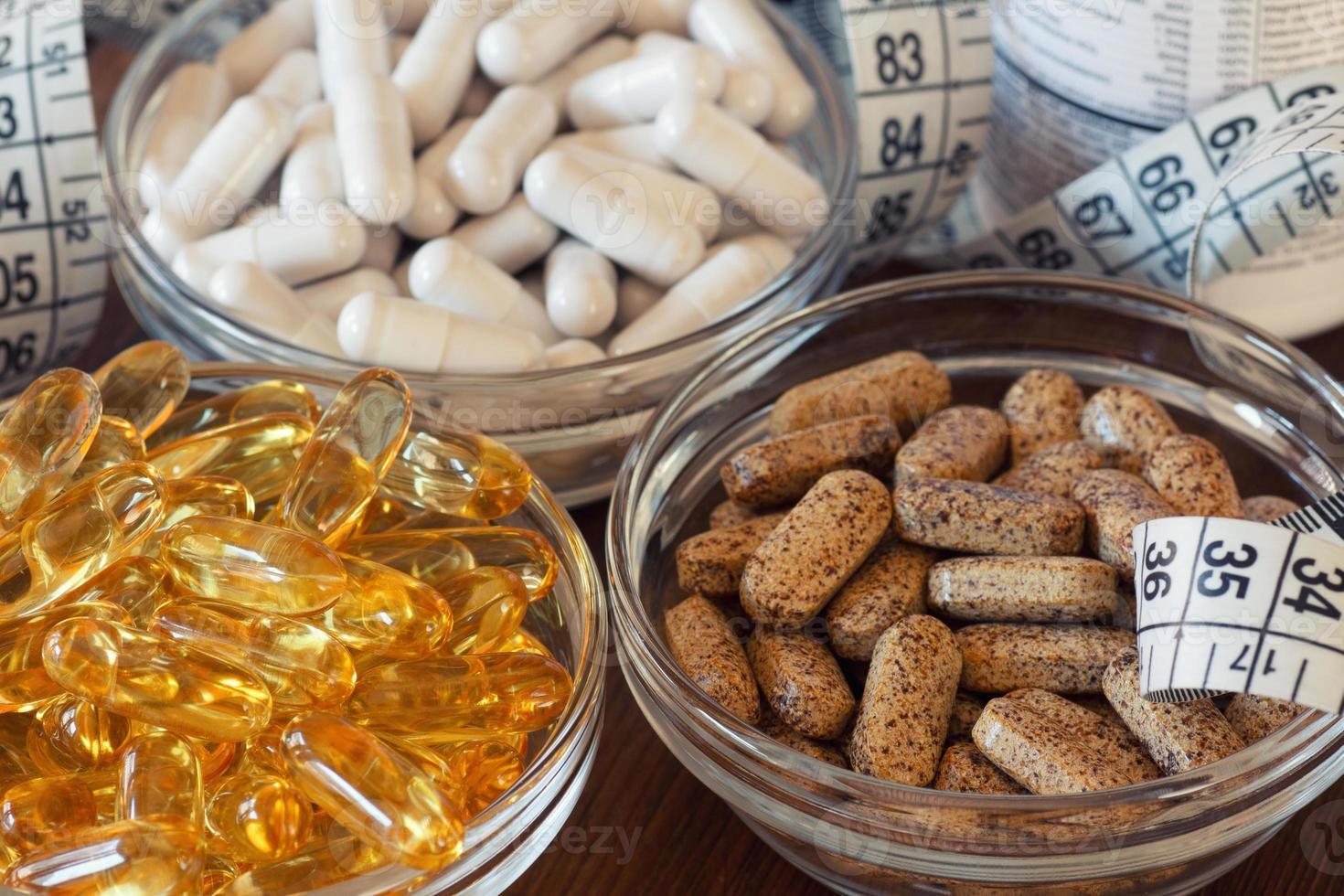voedingssupplementen in capsules en tabletten. foto
