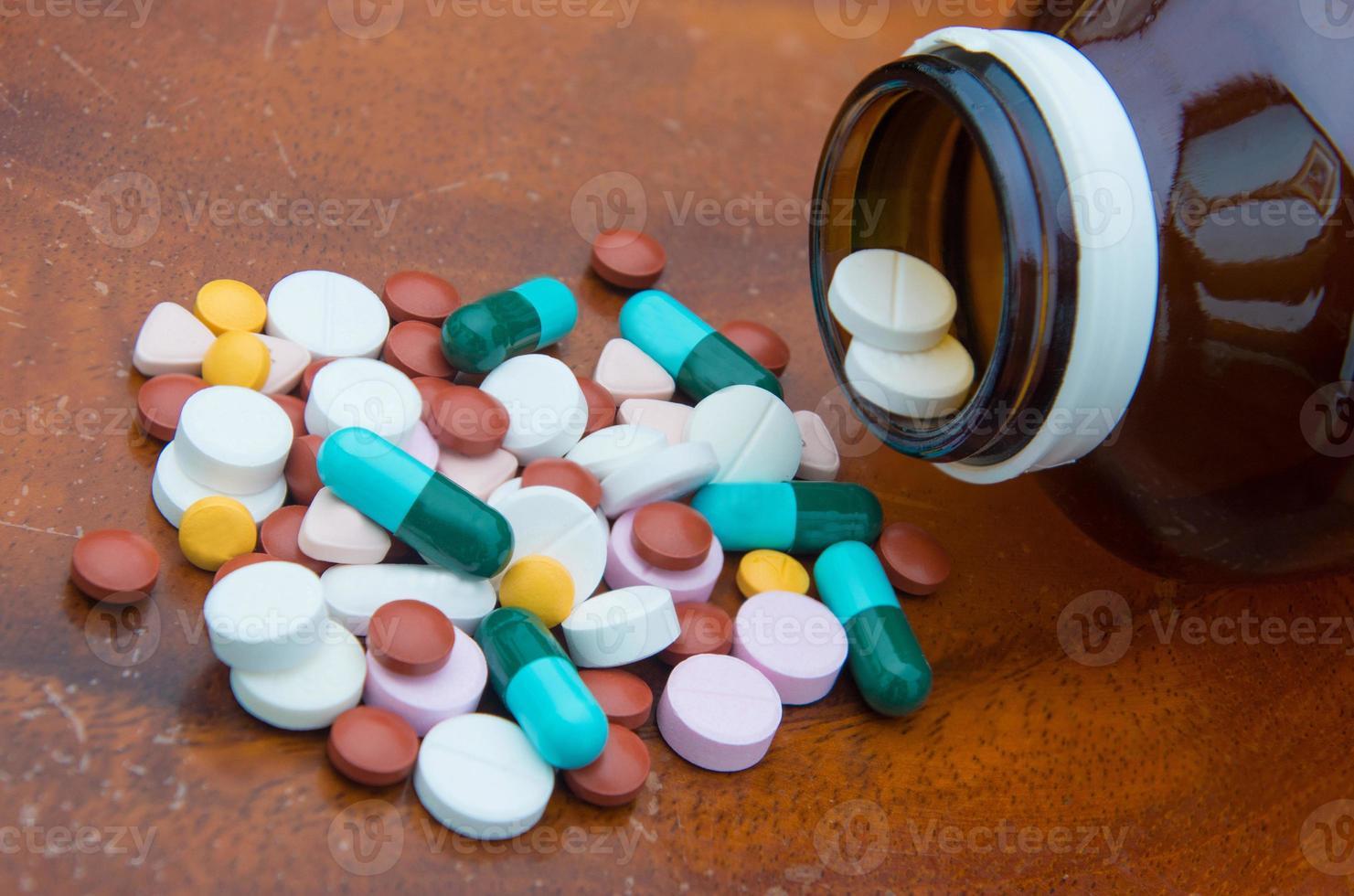 verschillende tabletten pillen voor verschillende therapie foto