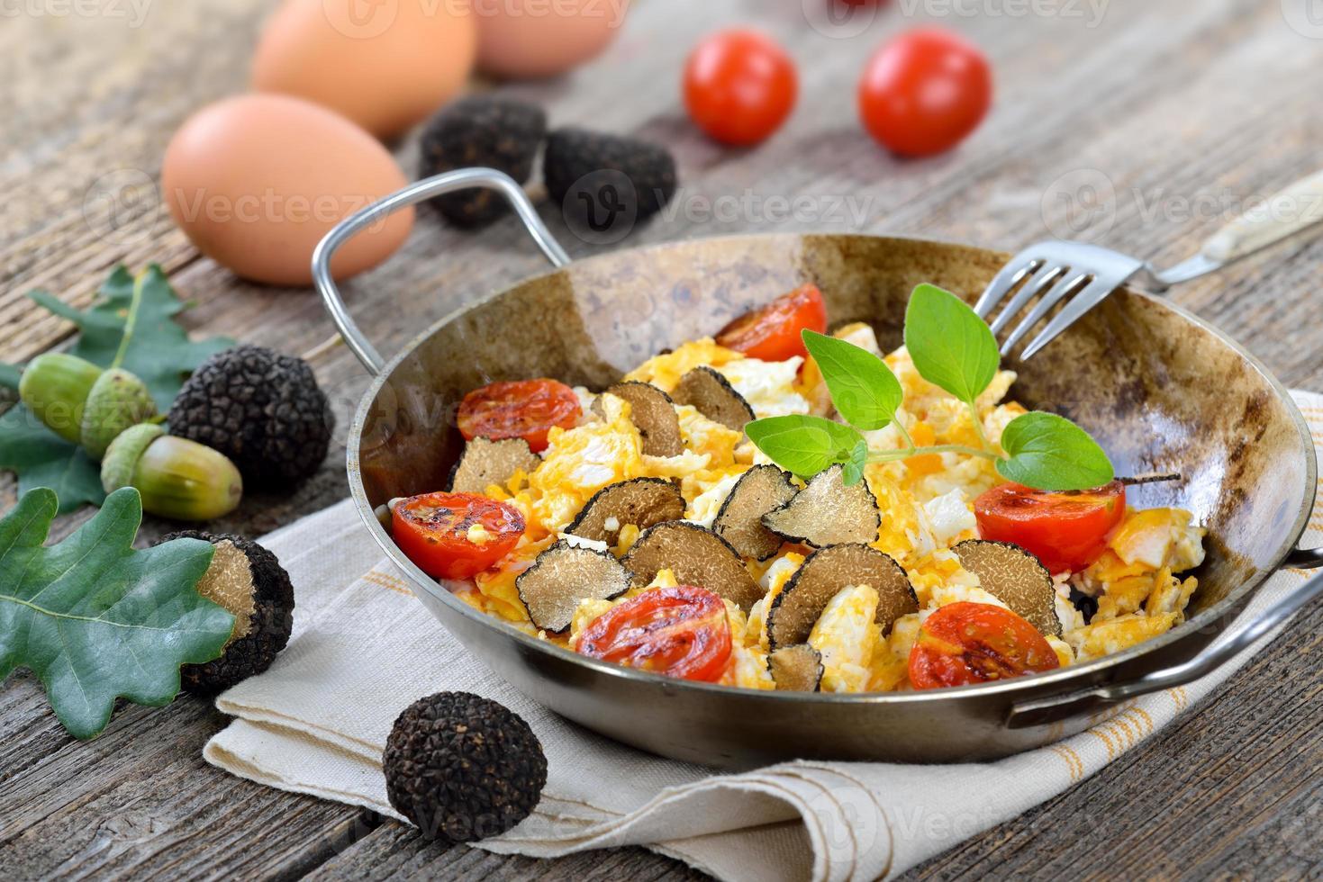 eieren met truffels foto