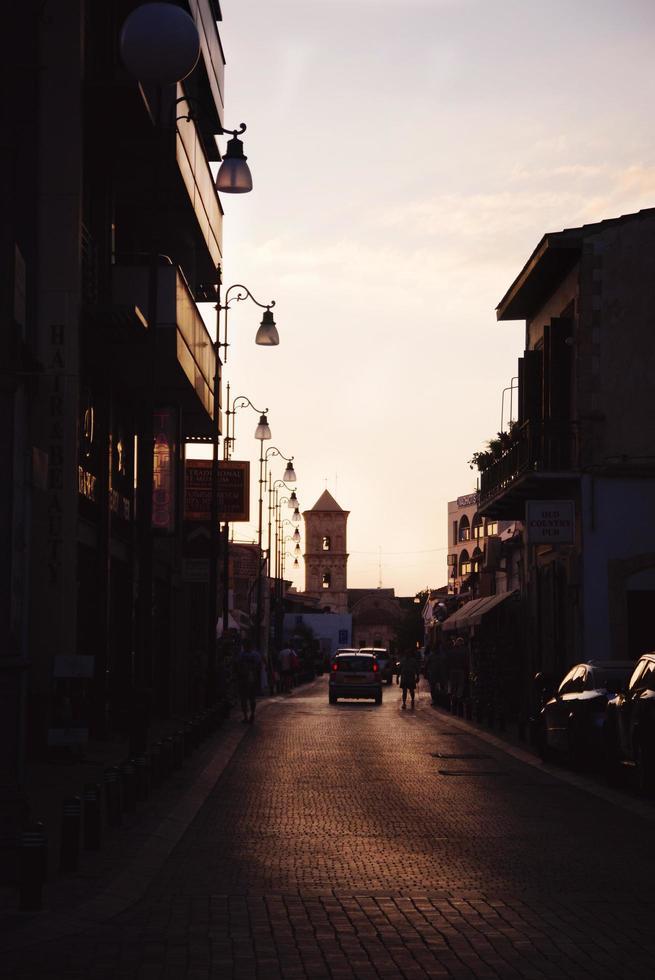 kerk van sint lazarus bij zonsondergang foto