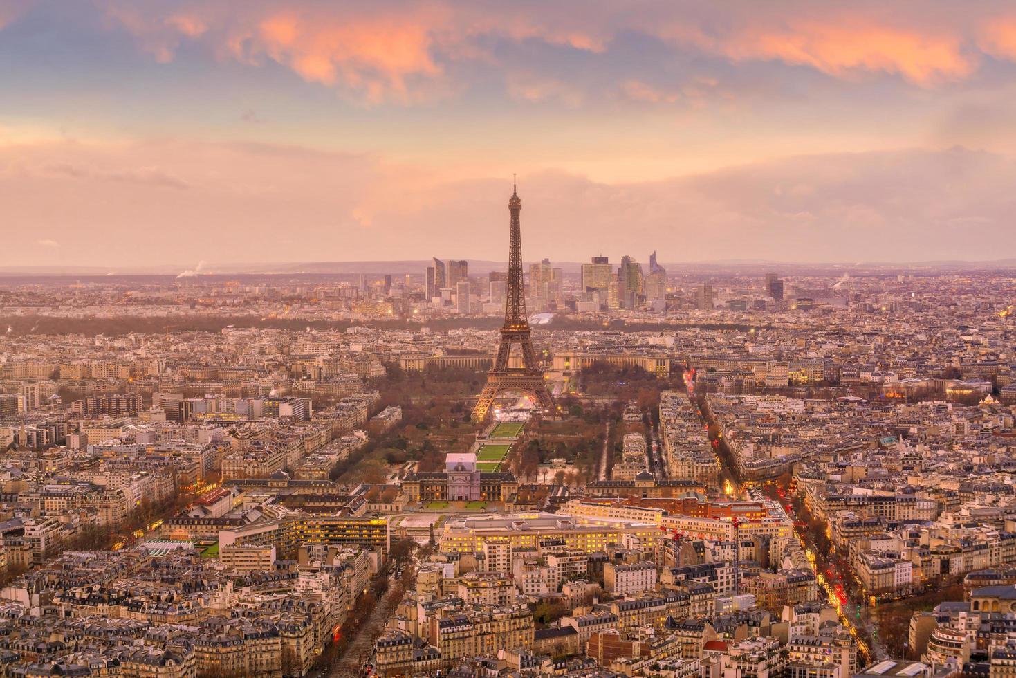 uitzicht op de skyline van Parijs foto