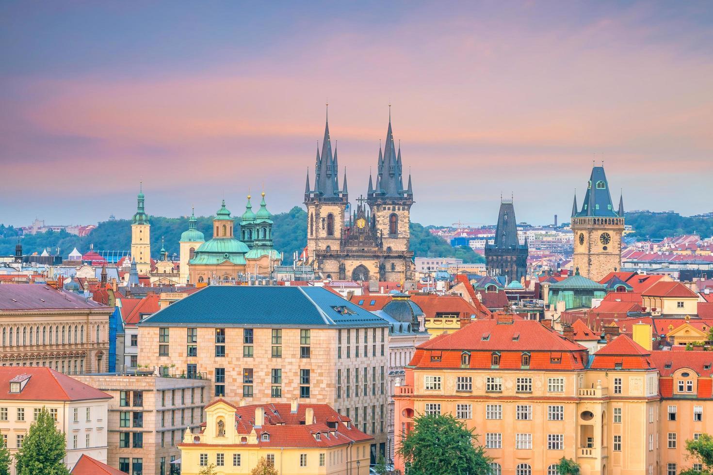 oude stadsplein in Praag, Tsjechië foto