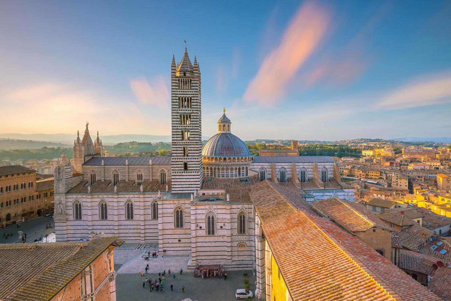 duomo di siena of grootstedelijke kathedraal van santa maria assunta in siena, italië. foto