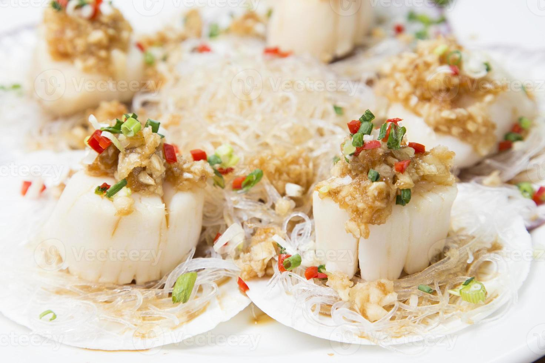 chinese keuken, vermicelli en coquille roergebakken foto