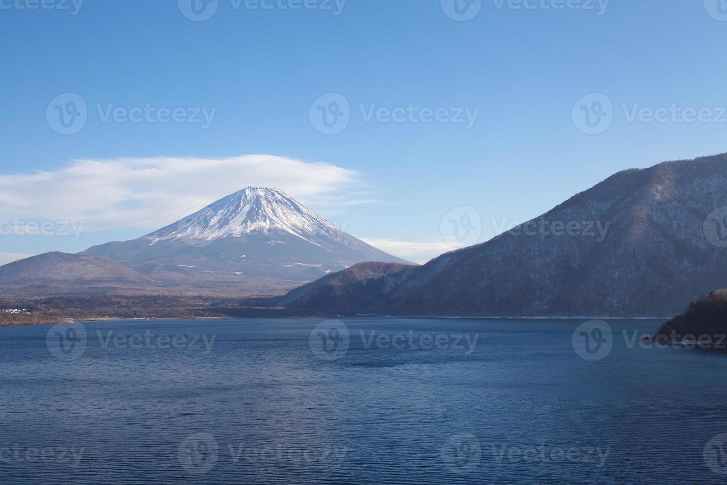 berg fuji bij motosu meer foto