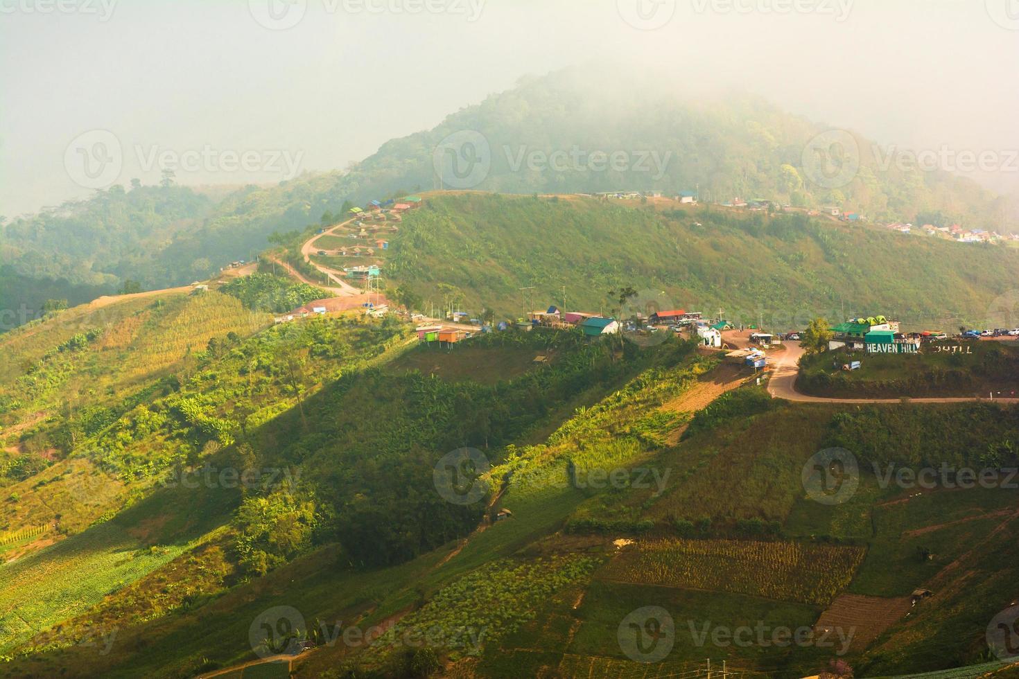 bergweg, in phu hin rong kla nationaal park phetchabun foto