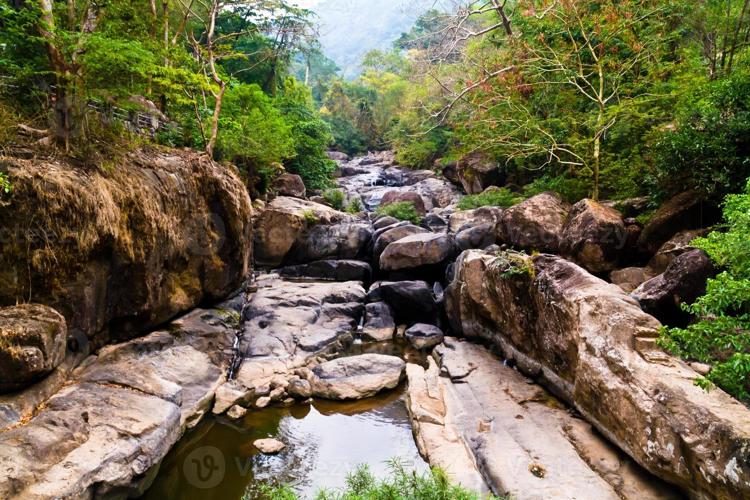 kleine waterval in Thailand foto