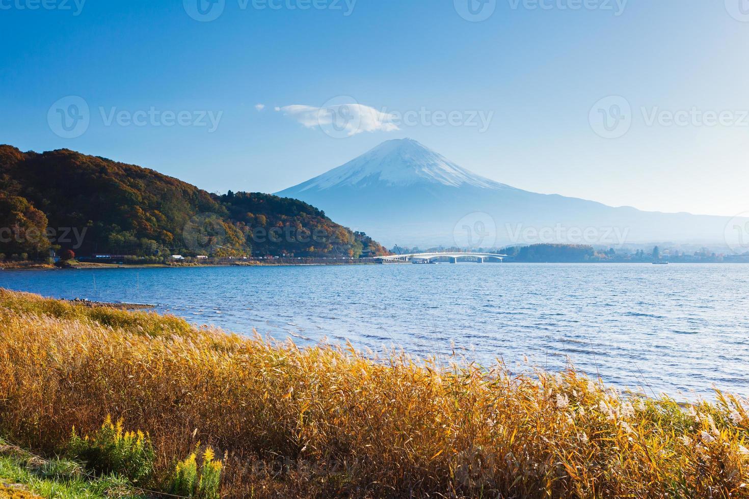 berg fuji in de herfst foto