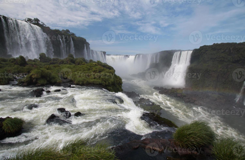 iguazu valt op de grens van brazilië en argentinië foto