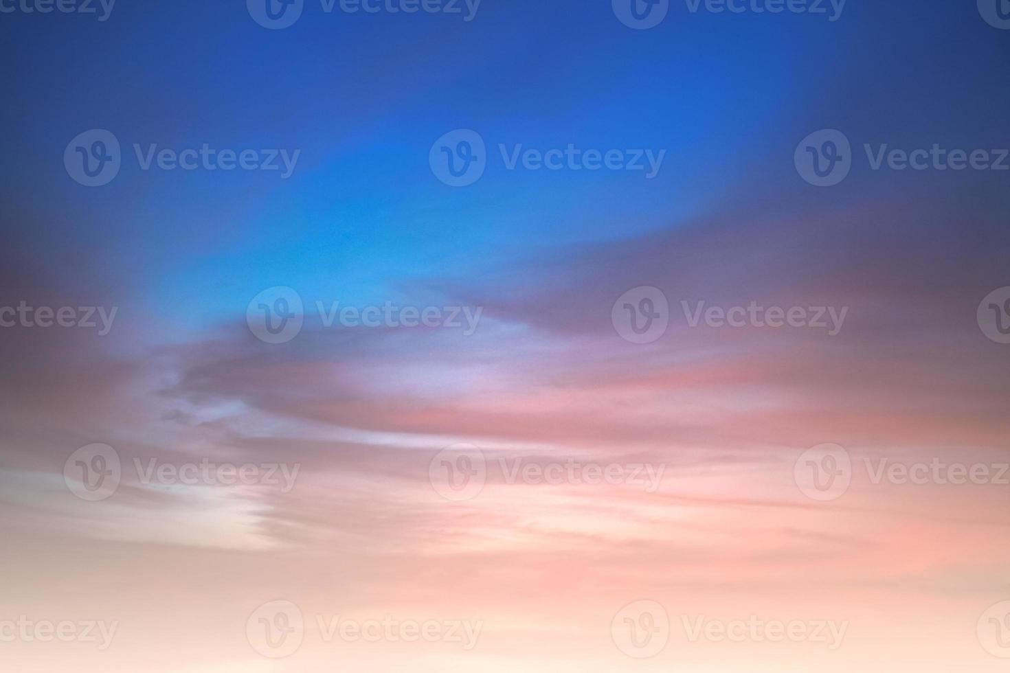schilderachtige oranje avondrood achtergrond foto