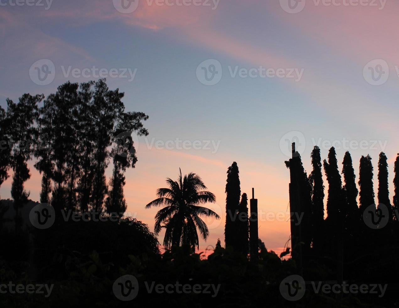 zonsondergang op het station van Chumphon foto