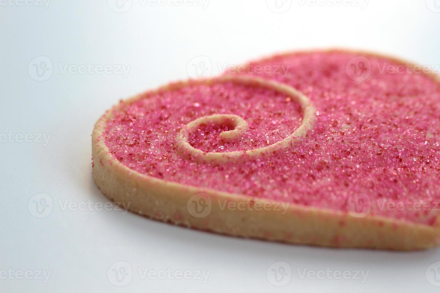valentijn koekjes op een witte plaat foto