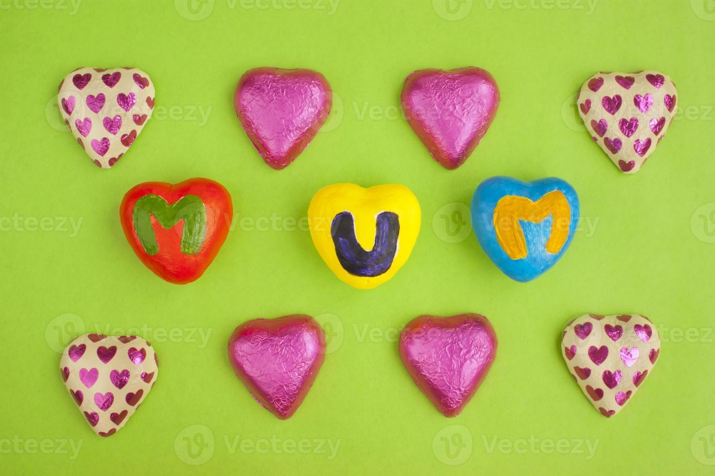 moederdag harten en chocolaatjes. foto