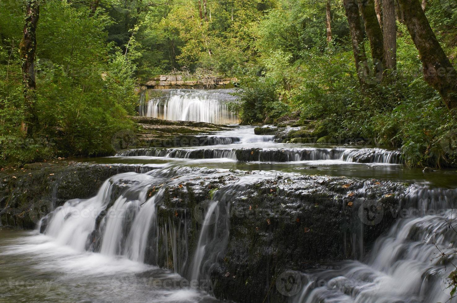 prachtige waterval in frankrijk foto