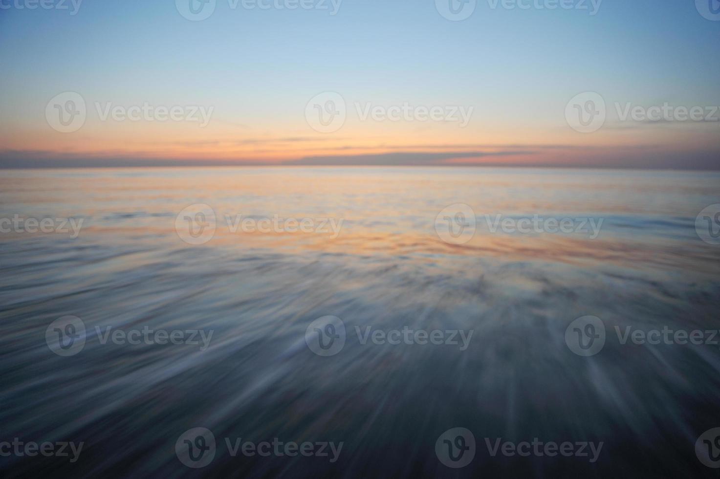 vlotte sfeer op zee foto