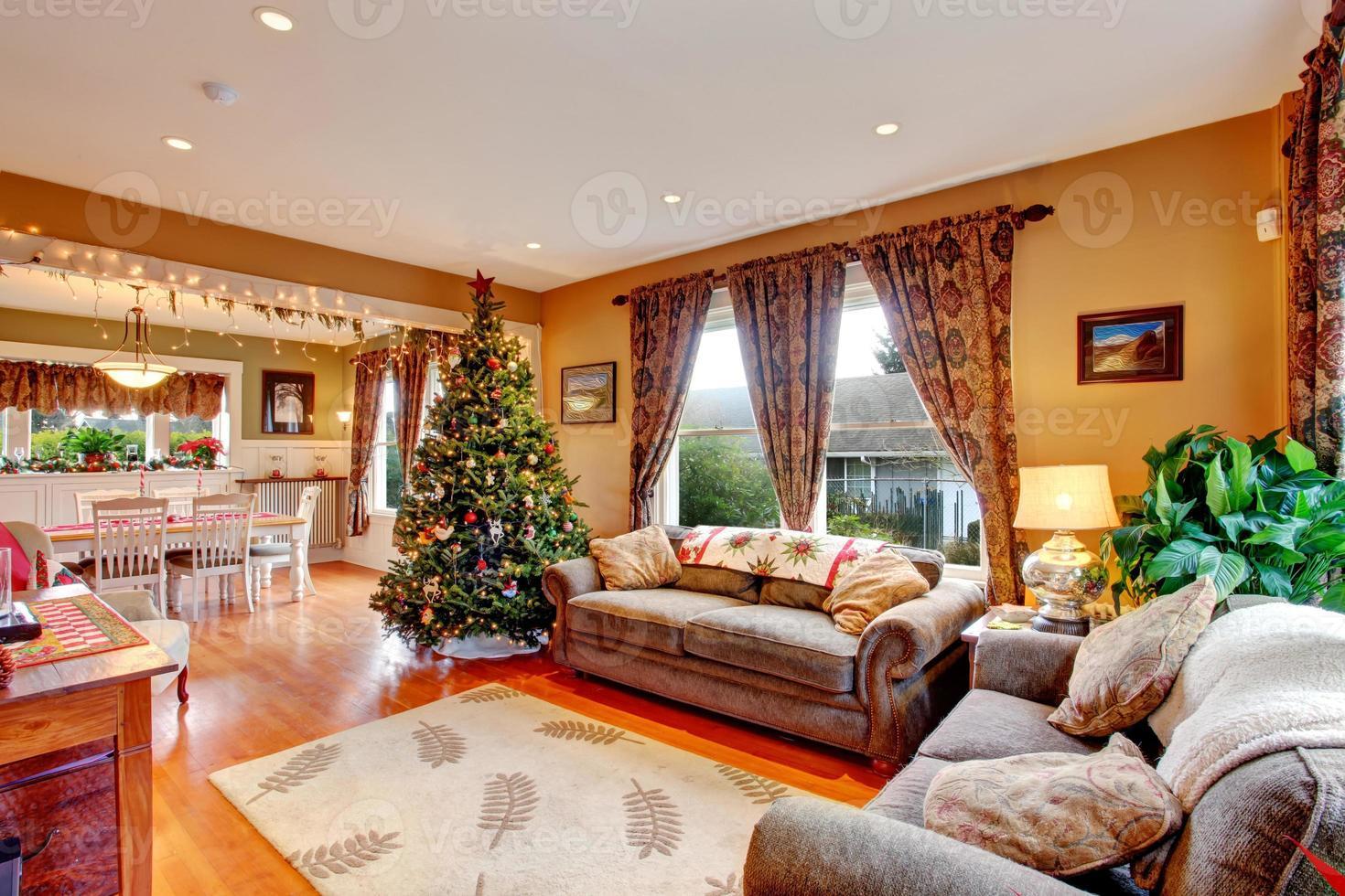 woonkamer op kerstavond foto