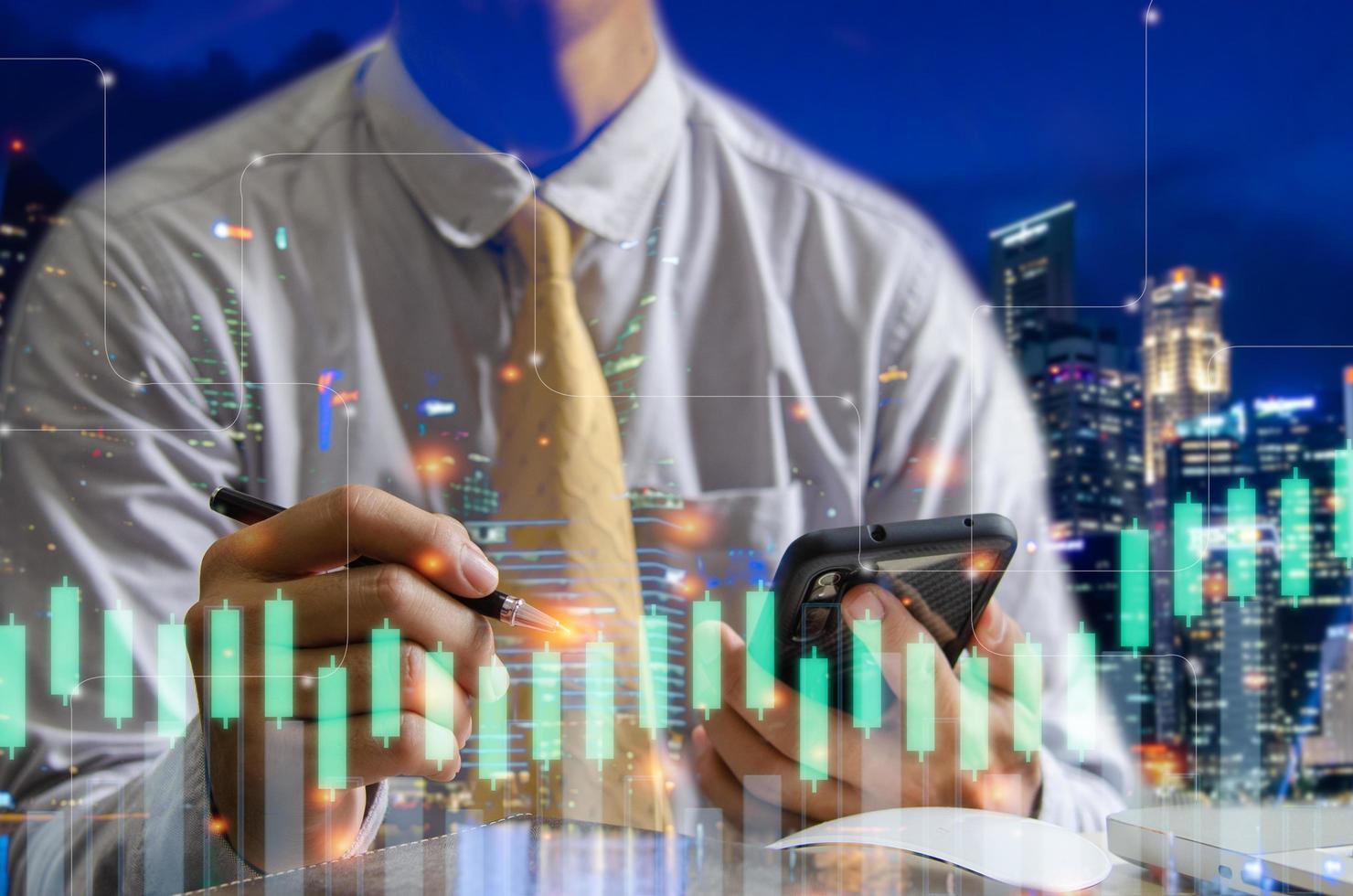 dubbele belichting van financiële grafiek en zakenman foto