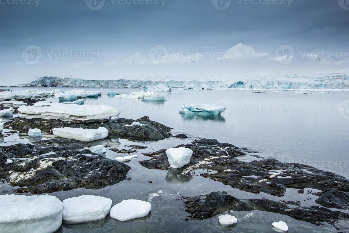 arctische lente in spitsbergen foto