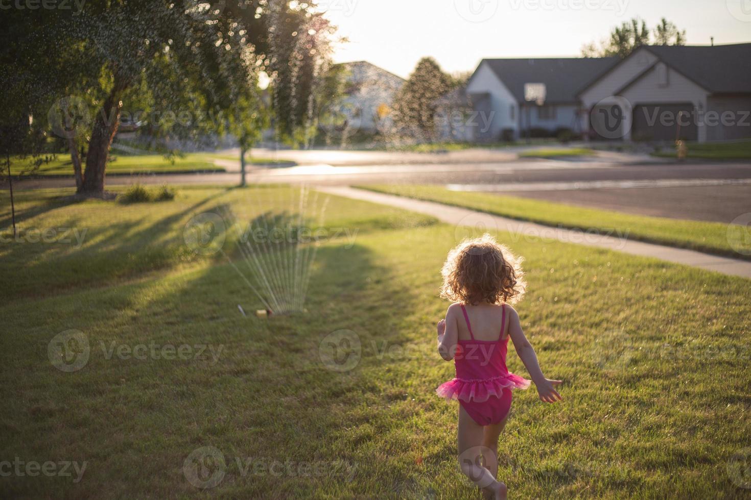 klein zomermeisje foto